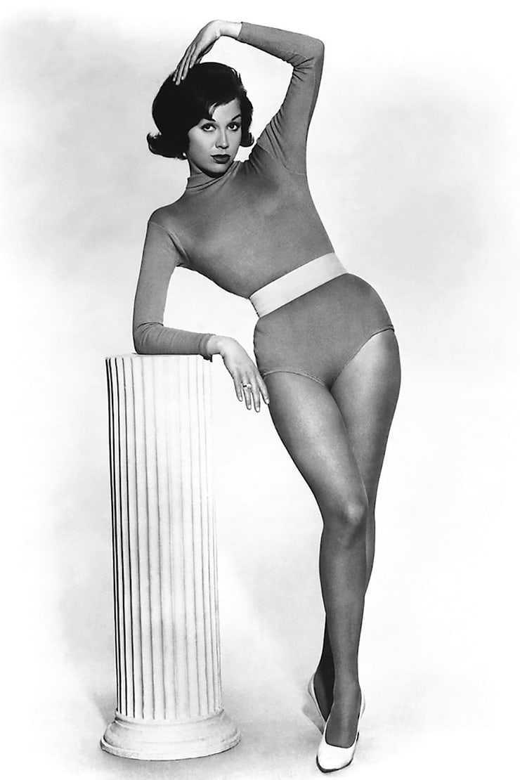 Mary Tyler Moore hot look