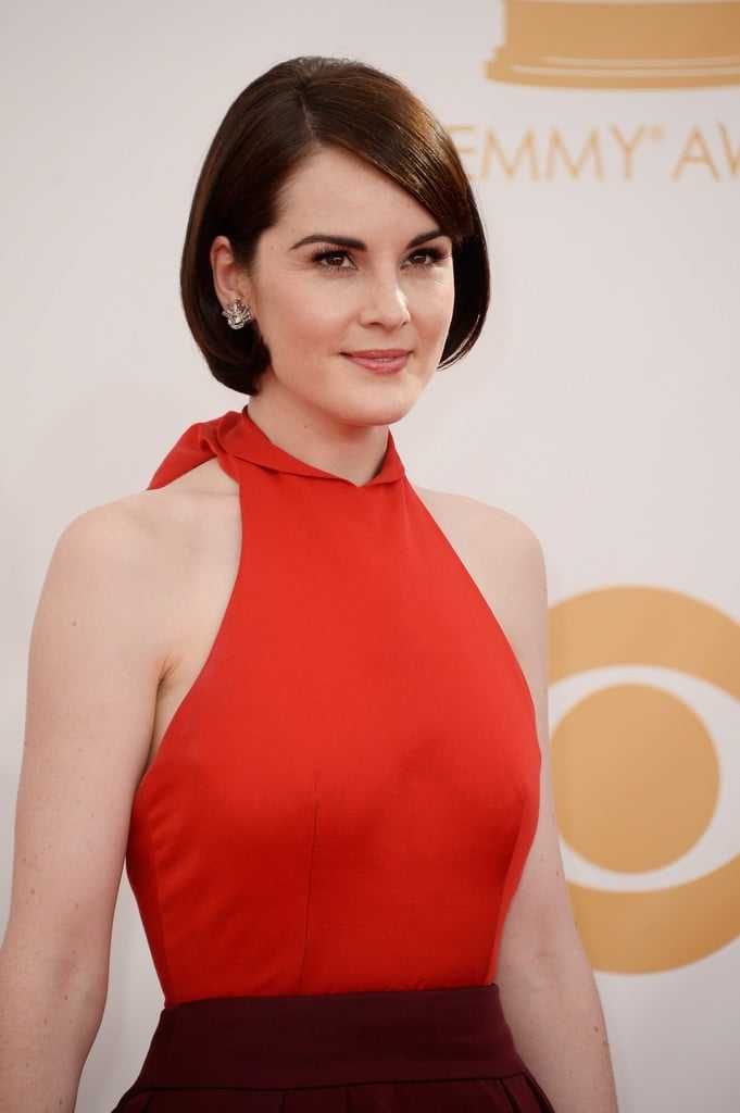 Michelle Dockery hot cleavage (3)