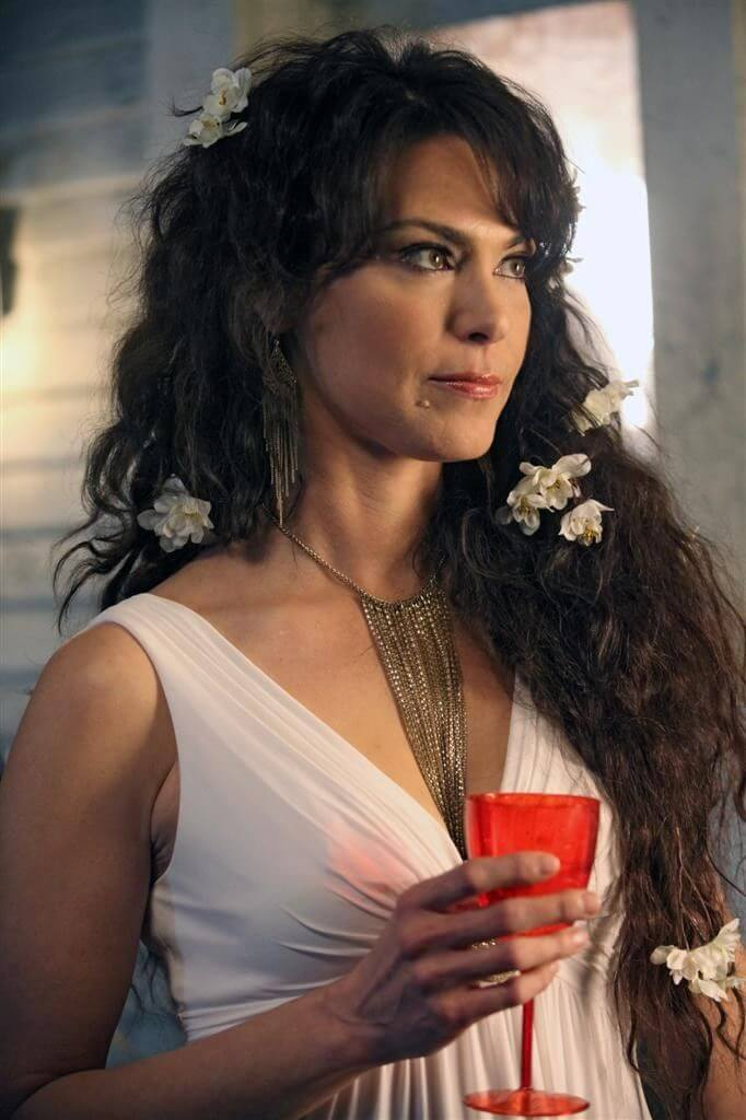 Michelle Forbes hot cleavage pic