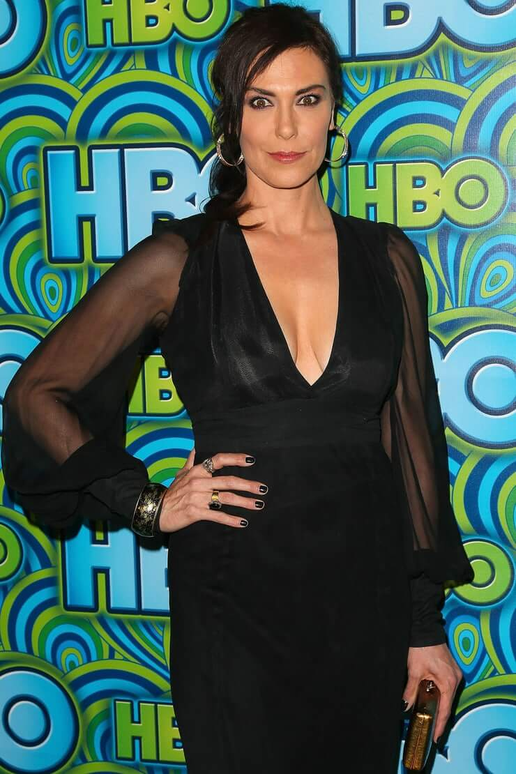 Michelle Forbes hot cleavage pics