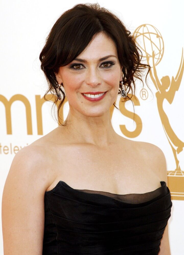 Michelle Forbes sexy boobs pics