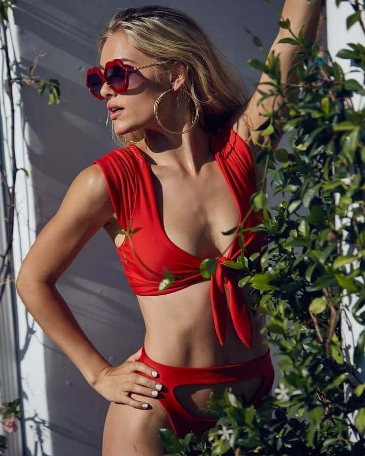 Michelle Randolph sexy lingerie pic