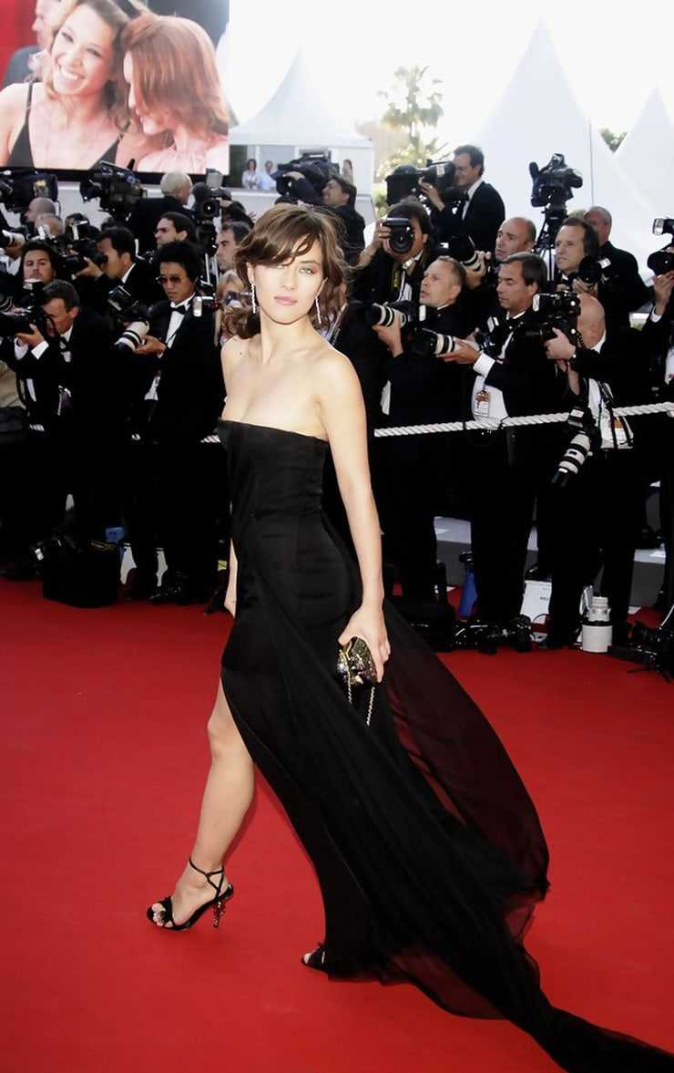 Mylène Jampanoï sexy pics