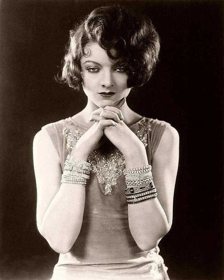 Myrna Loy hot look
