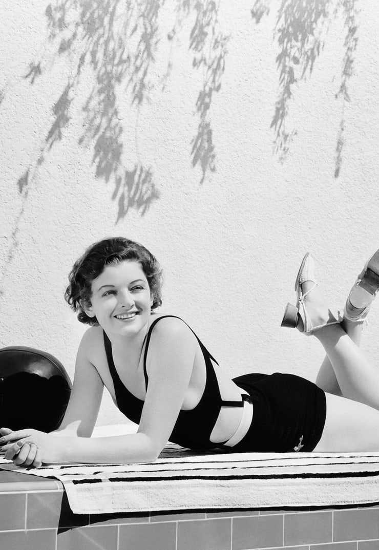 Myrna Loy sexy butt pics