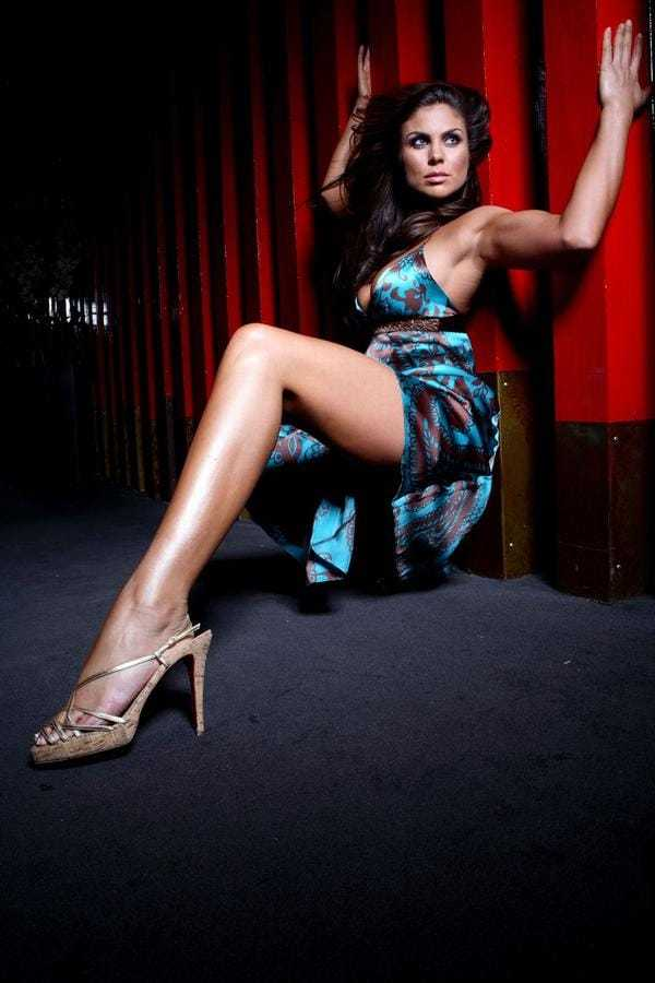 Nadia Bjorlin sexy leg