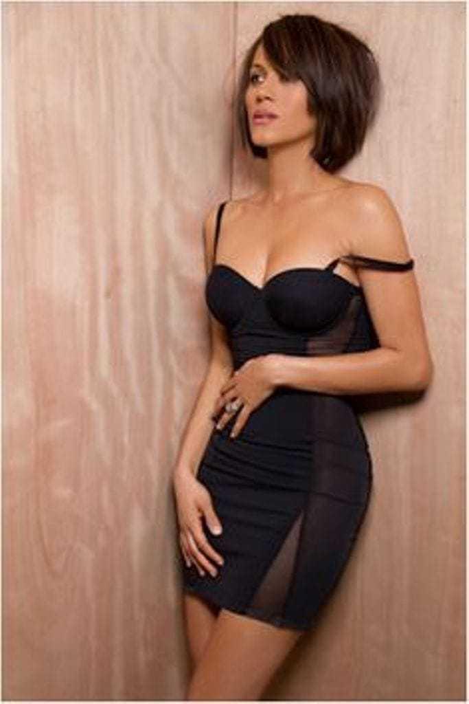 Nicole Ari Parker side boobs (2)