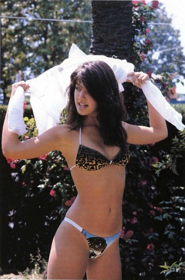 Phoebe Cates hot lingerie pics