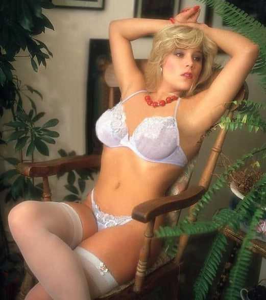 Samantha Fox sexy busty pics