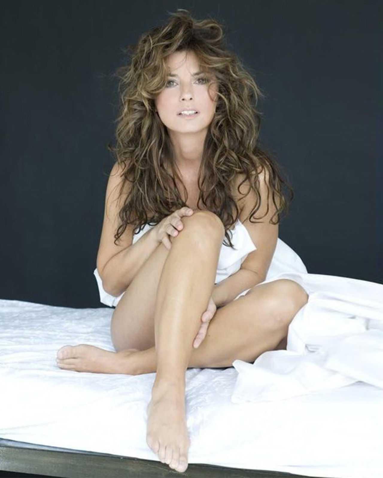 Shania Twain legs