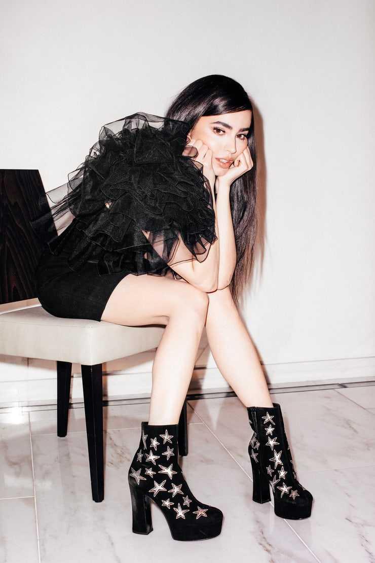 Sofia Carson hot pics