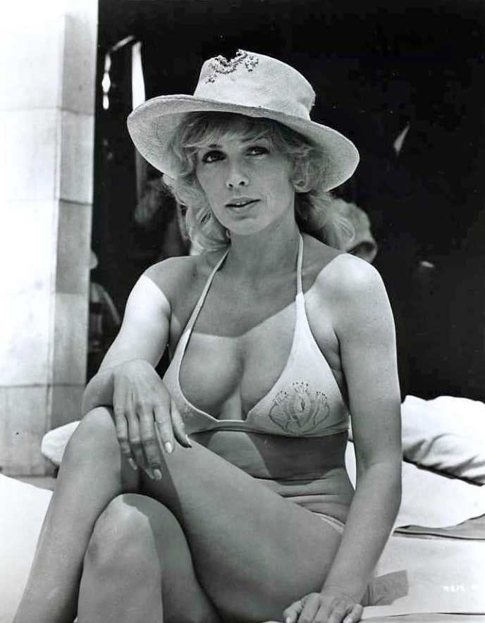 65 Sexy Stella Stevens Pictures Demonstrate That She Has Most Sweltering  Legs - GEEKS ON COFFEE