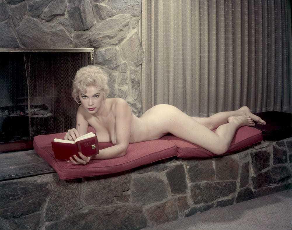 Stella Stevens near nude pics