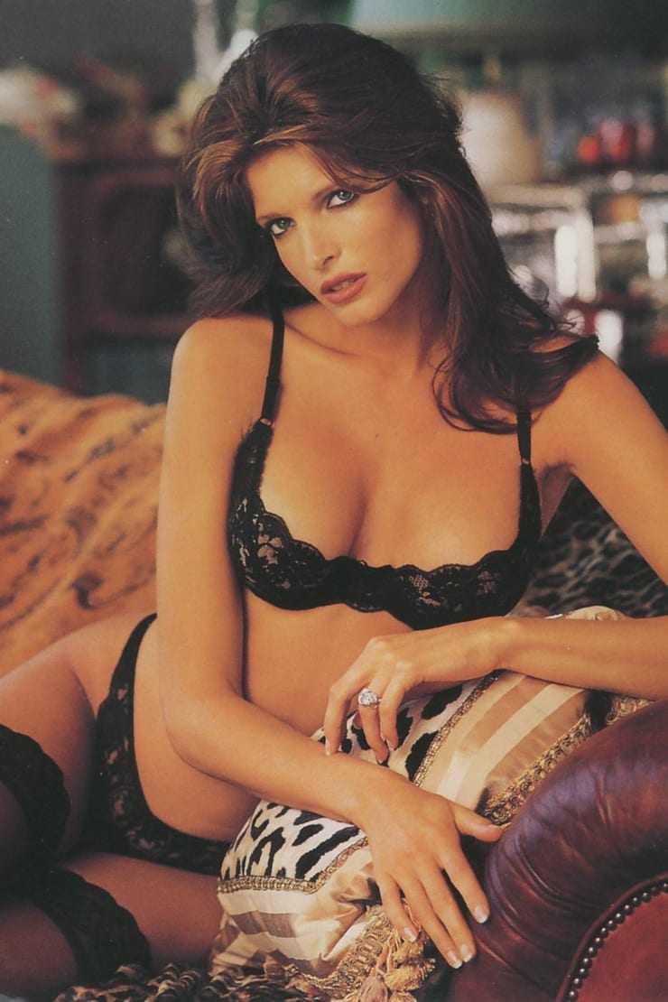 Stephanie Seymour hot bikini pics