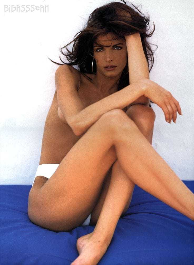 Stephanie Seymour hot legs