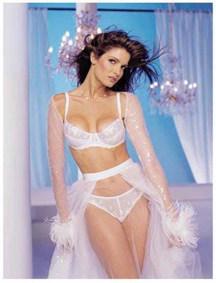 Stephanie Seymour sexy bikini pictures