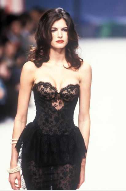 Stephanie Seymour sexy boobs pics (2)
