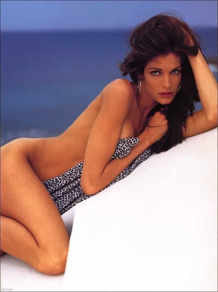Stephanie Seymour sexy nude pics