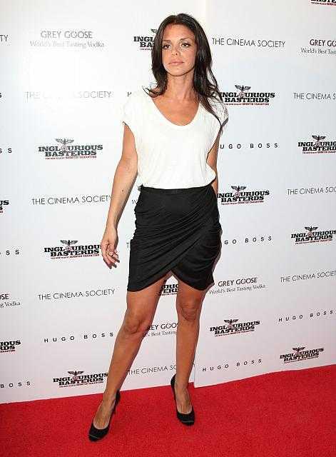 Vanessa Ferlito sexy (2)
