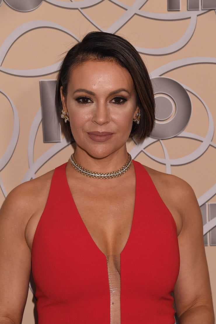 Alyssa Milano Sexy Pics 61 sexy pictures of alyssa milano are blessing from god to