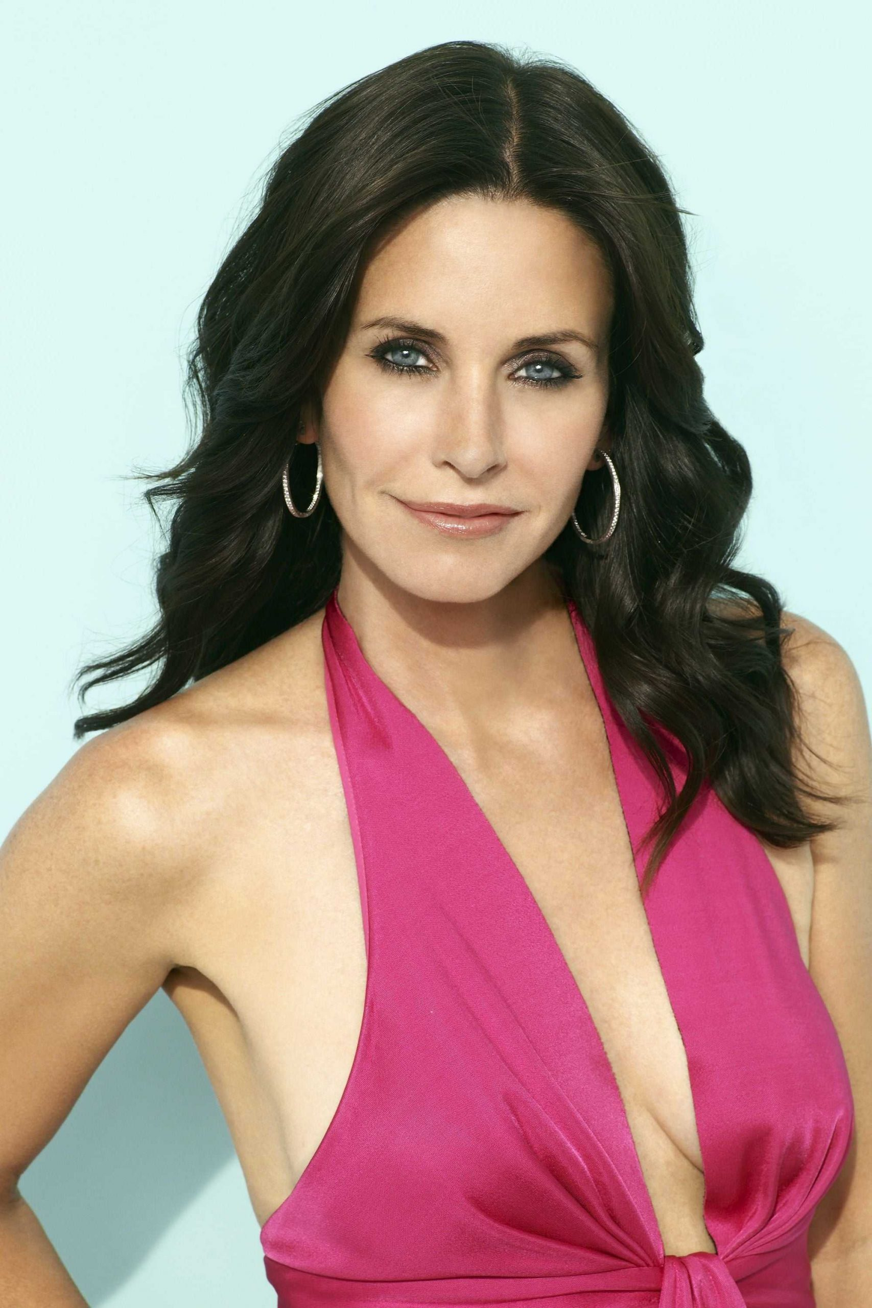61 Courteney Cox Sexy Pictures That Will Make Your Heart Pound For