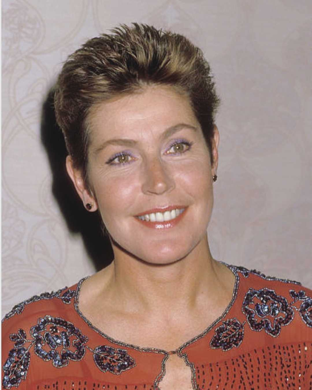 helen reddy hairstyle