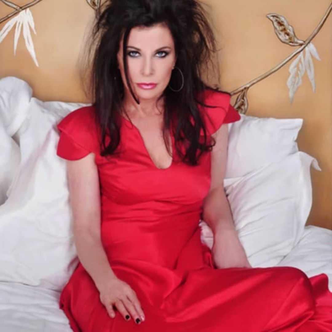 jane badler hottie look
