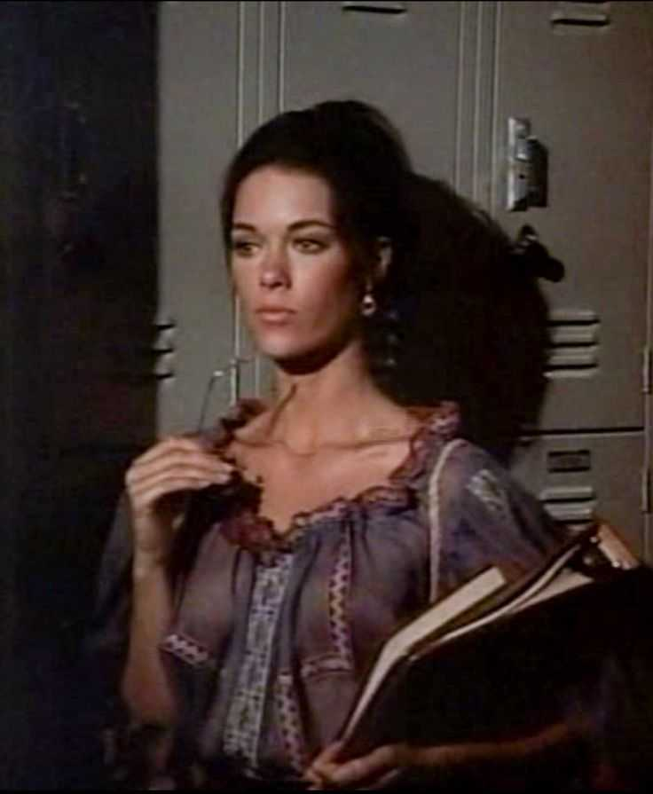 joanna cameron cleavage