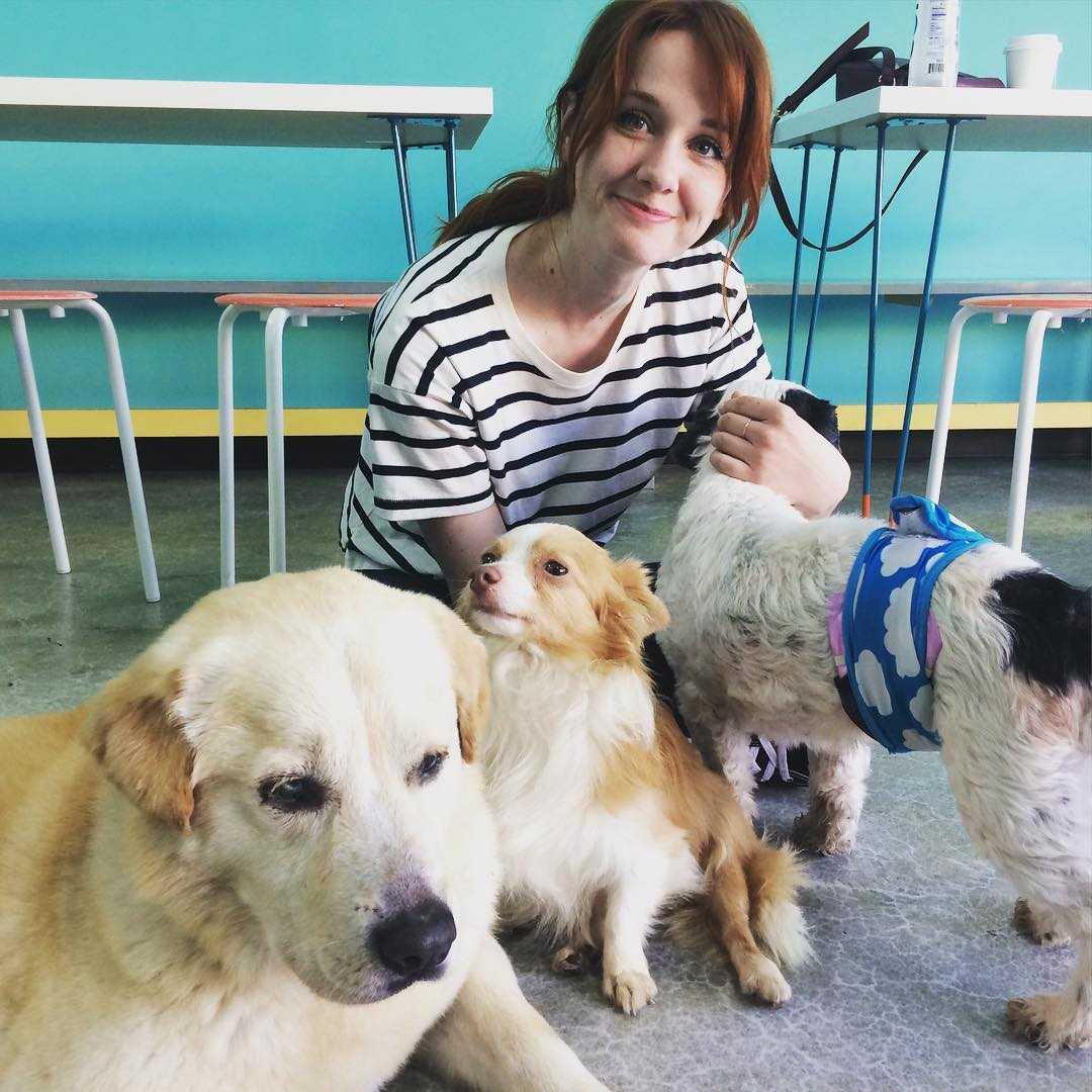 laura spencer dog lover