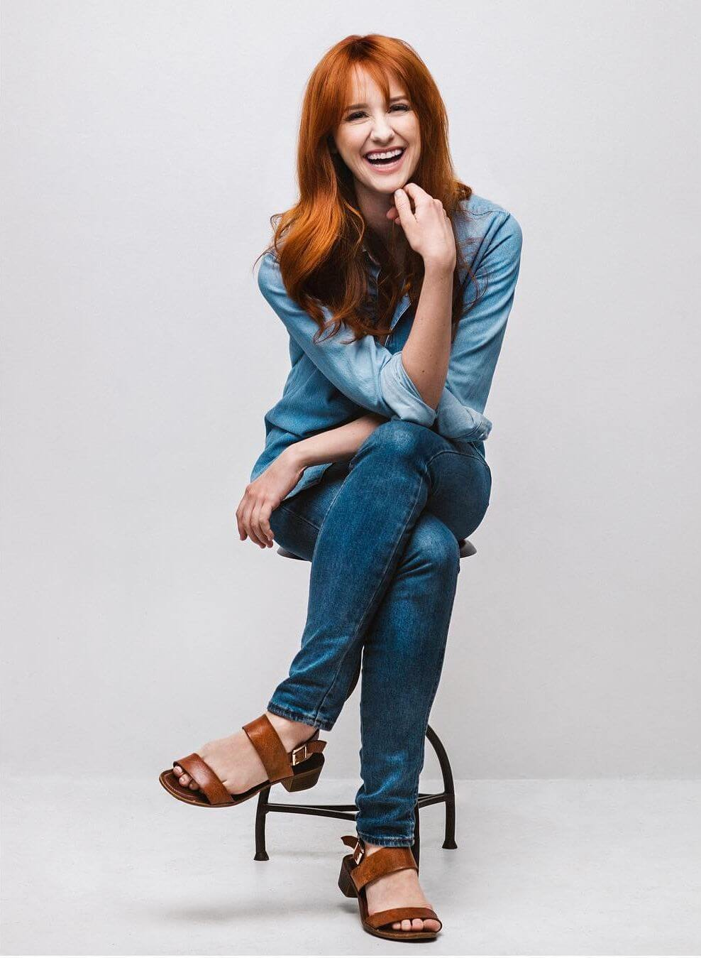 laura spencer smile pics