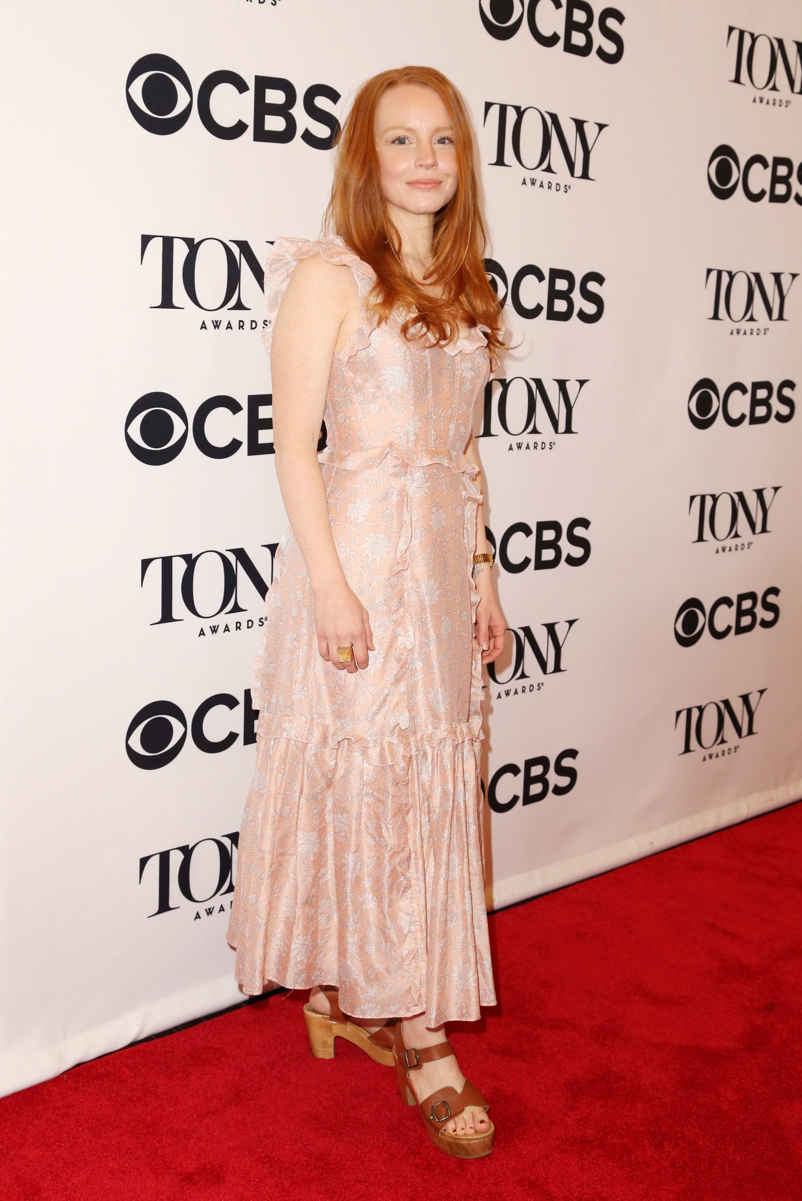 lauren-ambrose-red-carpet.