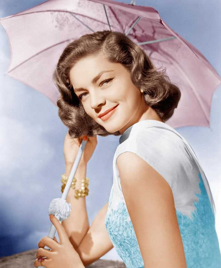 61 Lauren Bacall Sexy Pictures Will Make You Feel All Excited And Enticed - GEEKS ON COFFEE