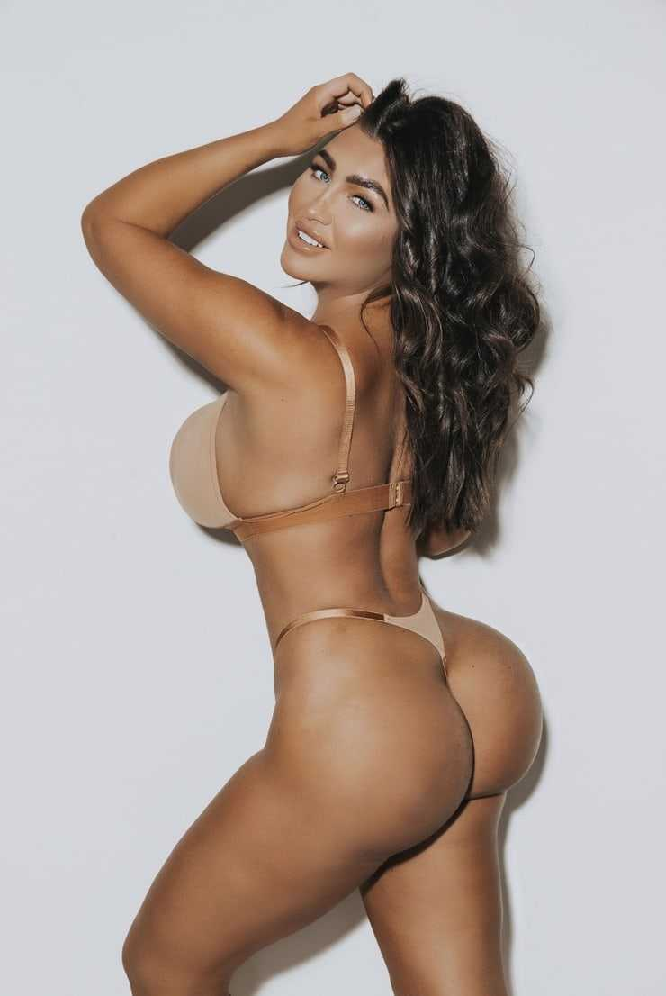 lauren goodger massive butt