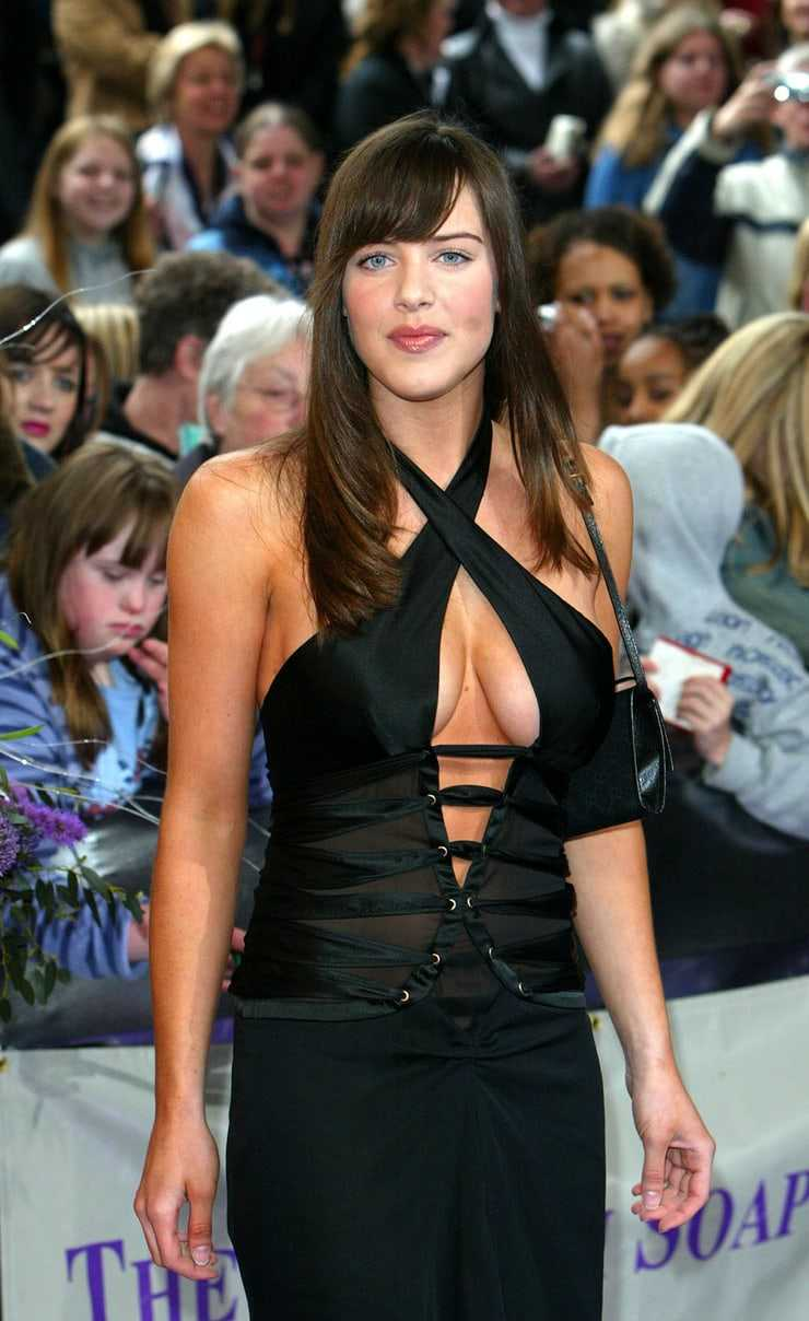 michelle ryan sexy cleavage