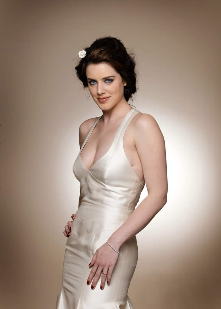 michelle ryan sexy pictures
