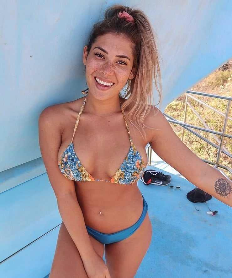 noni janur bikini pics