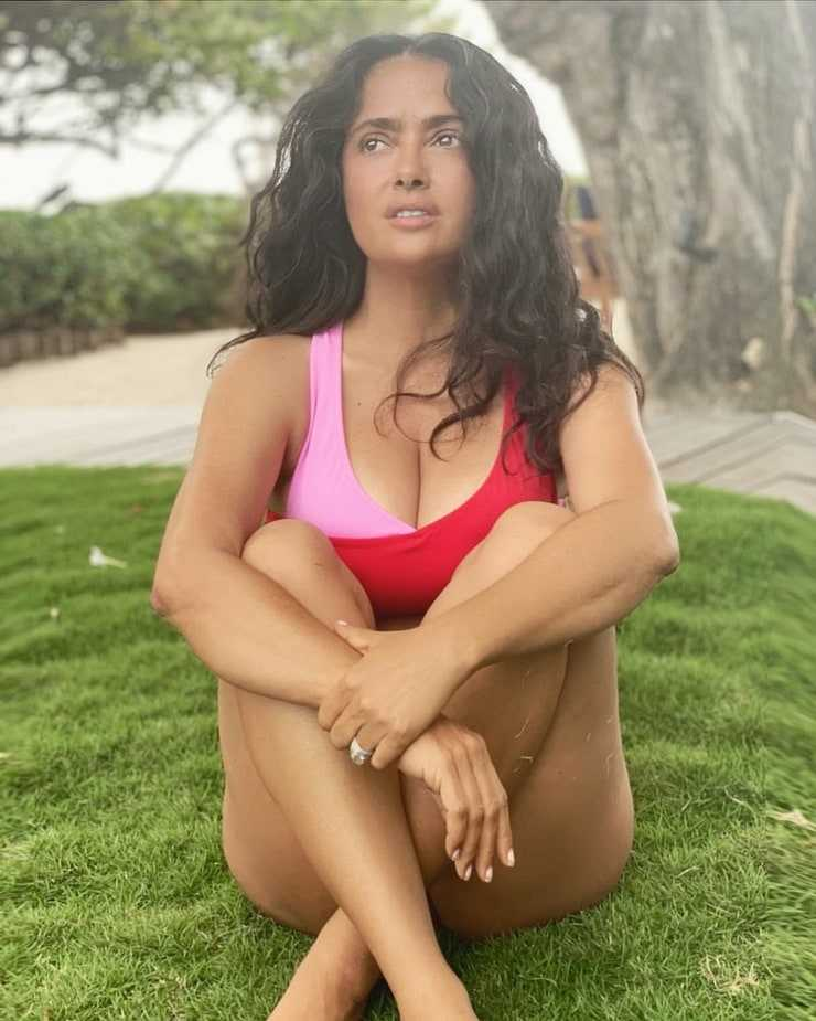 salma hayek sexy photo