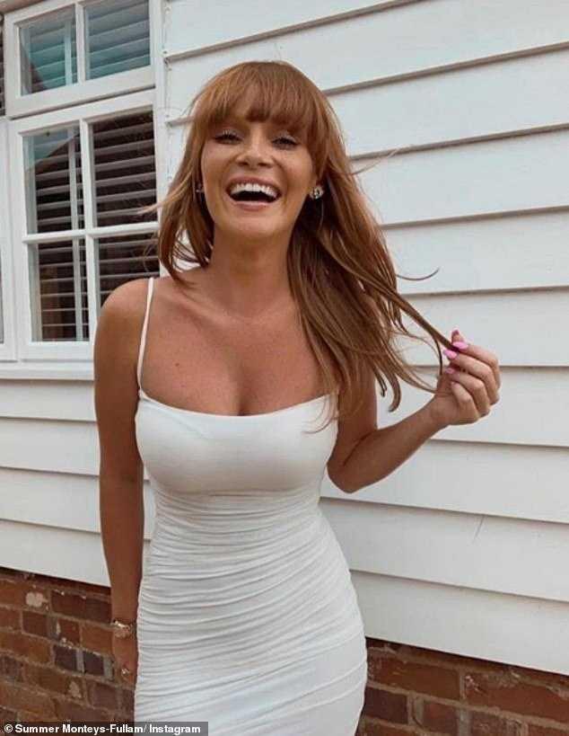 summer-monteys fullam hot smile