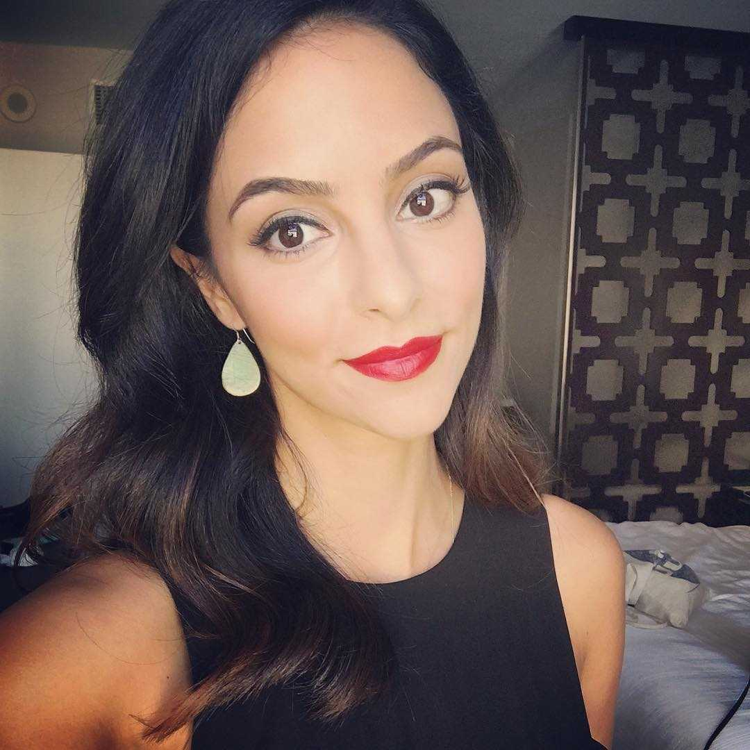 tala ashe red lips