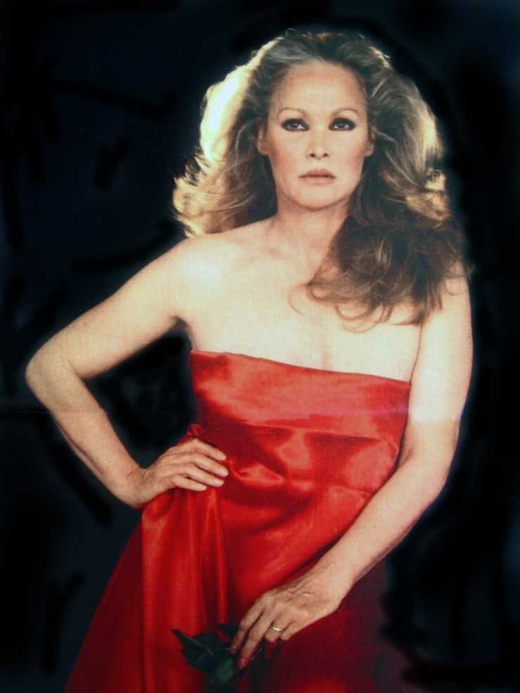 ursula andress looking sexy