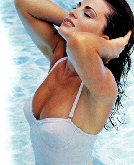 yasmine bleeth swimsuit