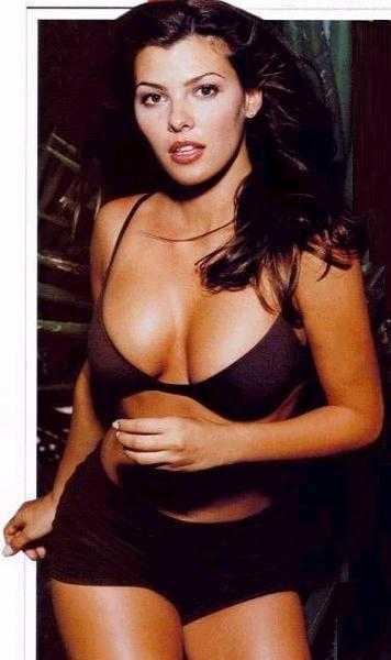 Ali Landry cleavage