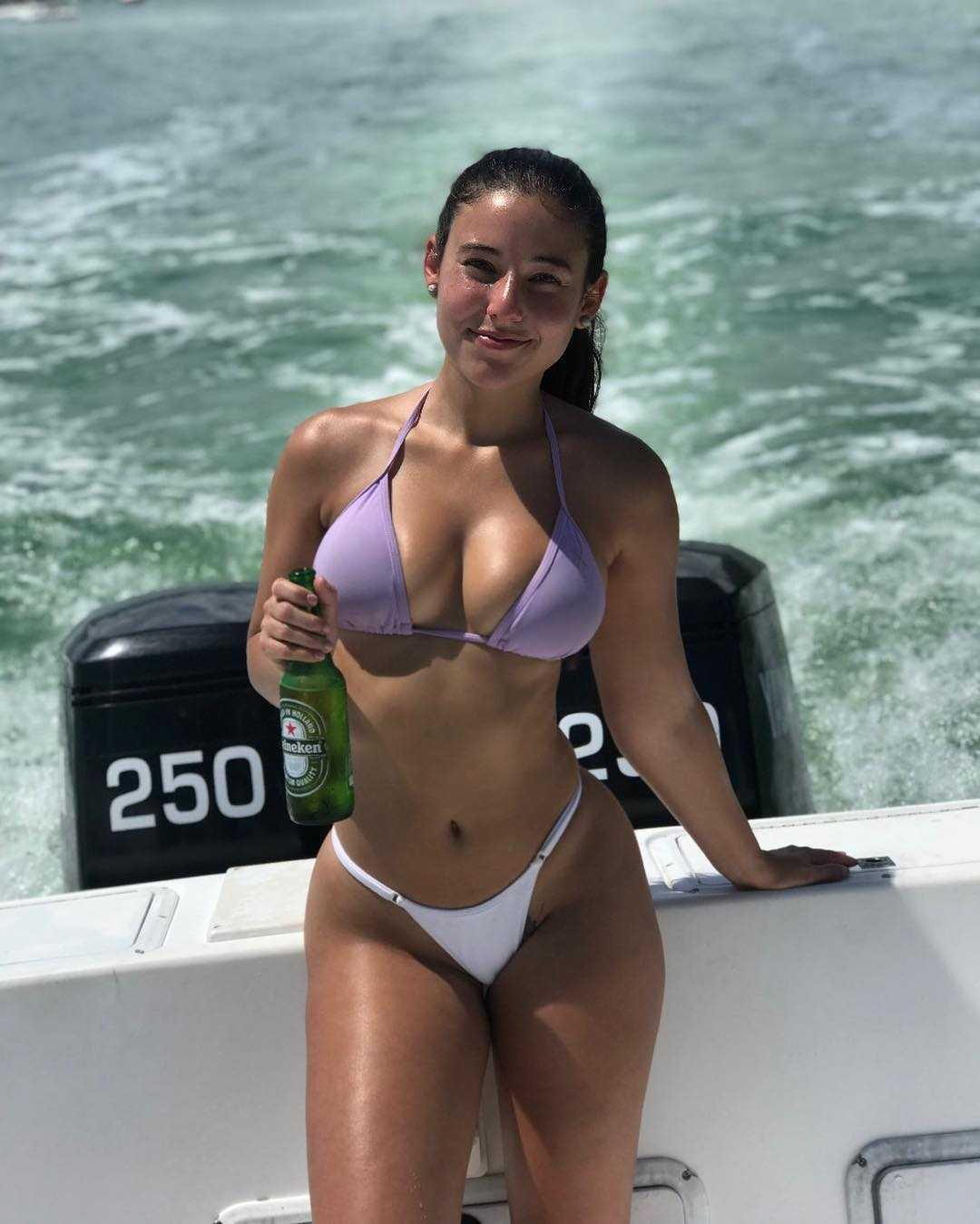 Angie Varona smile