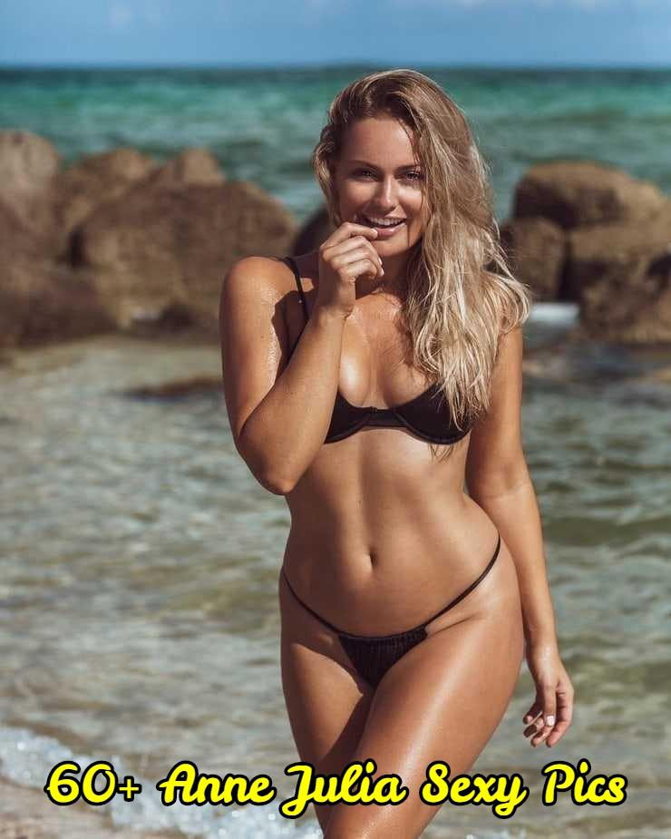 Anne Julia bikini (1)