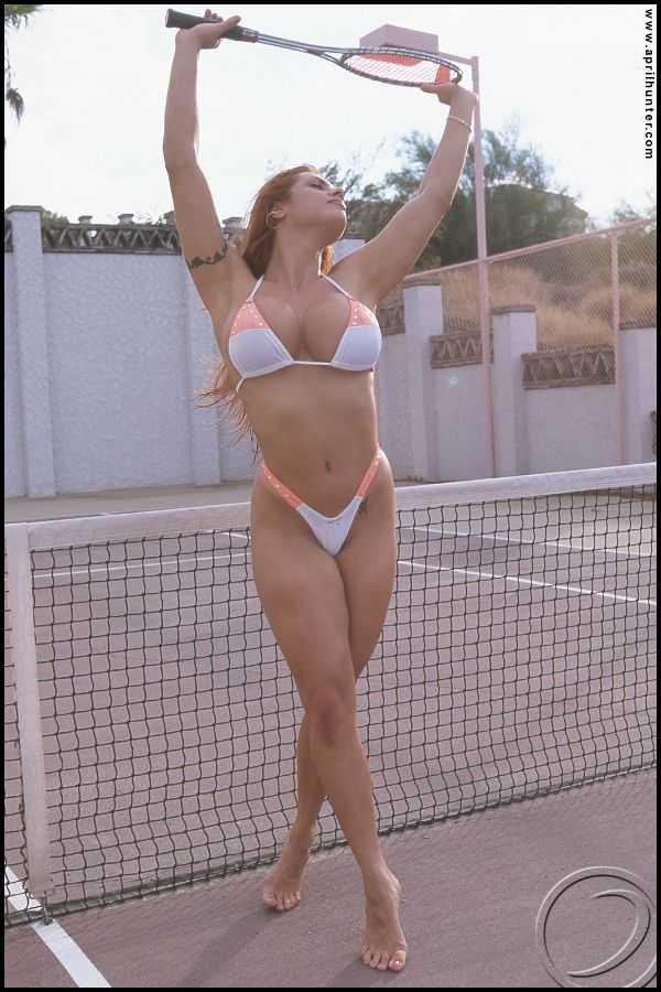 April Hunter bikini picture
