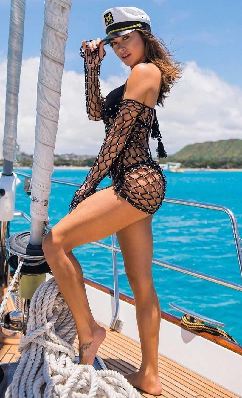Arianny Celeste booty (2)