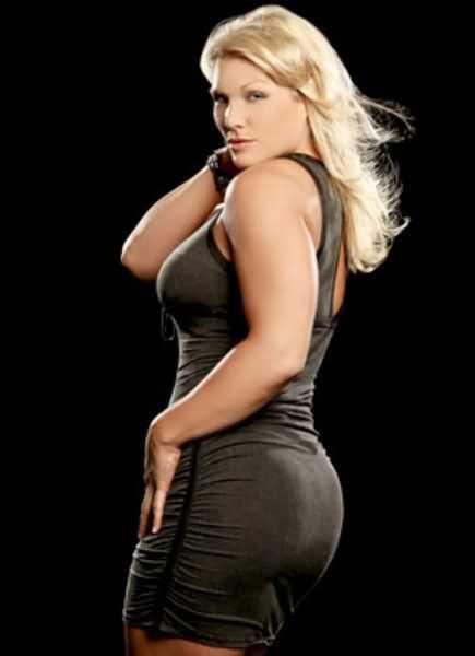 Beth Phoenix sexy butt pic