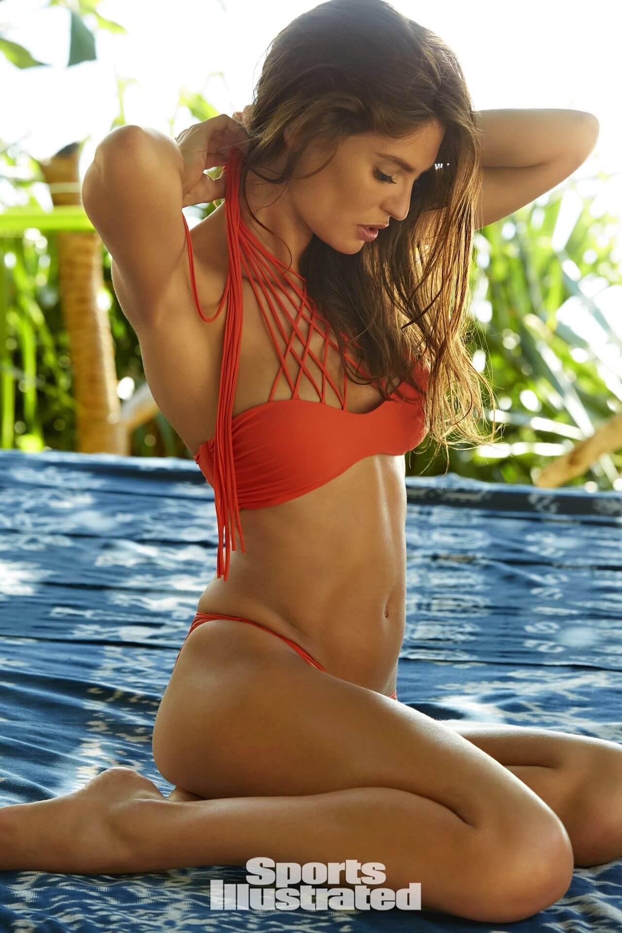 Bianca Balti sexy bikini