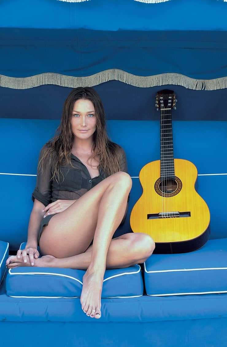 Carla Bruni sexy pictures