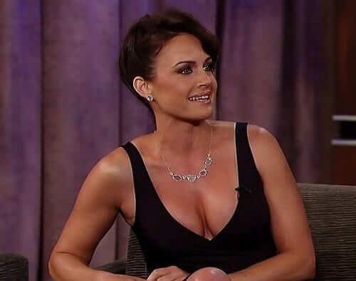 Carla Gugino hot cleavage